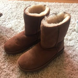 UGG Shoes - Classic Uggs